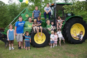 coolest-1st-john-deere-tractor-party-21518042.jpg