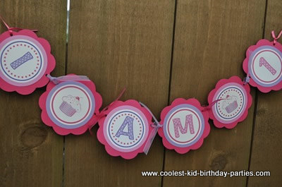 coolest-cupcake-theme-1st-birthday-party-21397654.jpg