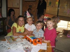 coolest-yo-gabba-gabba-2nd-birthday-party-21655136.jpg